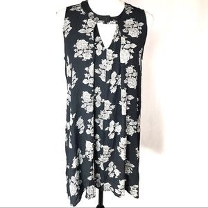 Hippie Laundry grey/white sleeveless floral tunic